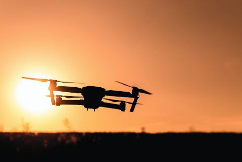 DRONI IN SPIAGGIA E IN CITTÀ: GARANTE PRIVACY APRE TRE ISTRUTTORIE